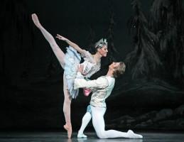 Ballet: The Nutcracker; Choreographer: Ben Stevenson; Dancer(s): Katharine Precourt & Linnar Looris; Photograph: Amitava Sarkar