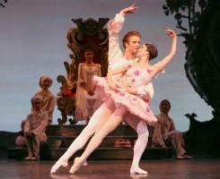 Ballet: The Nutcracker; Choreographer: Ben Stevenson; Dancer(s): Mireille Hassenboehler & Linnar Looris; Photograph: Amitava Sarkar