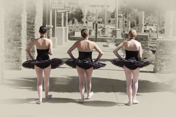 [Photo] Three girls in black tutus strolling the sidewalk in Albuquerque, NM