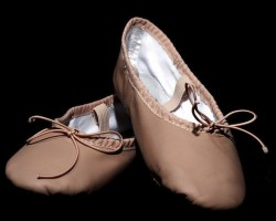 Considerations Before You Buy Ballet Shoes For Little Feet - Abt ballet shoes